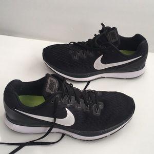 Nike Zoom Pegasus 34 knitted athletic sneakers